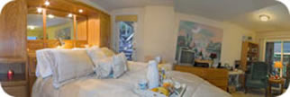 Queen Room Panorama
